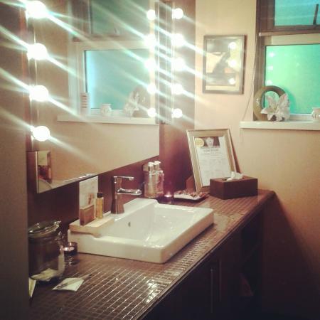 كيلكيني, أيرلندا: Beauty and powder room.