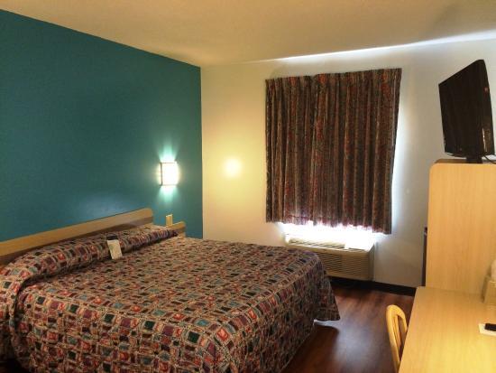 Gordonville, PA: Guest Room