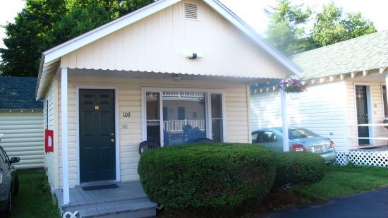 Heritage of Lake George Motel: cottage