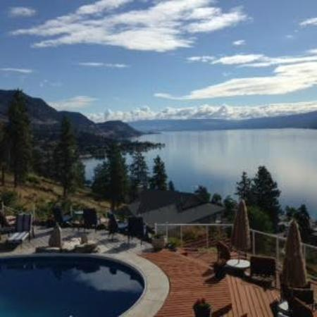 Okanagan Oasis B&B: Can't get enough of this view!