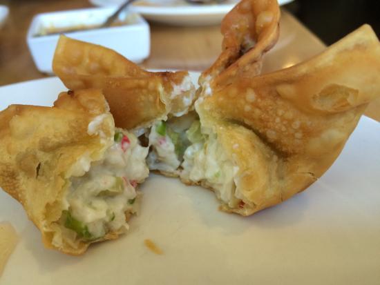 Mahli Thai: Crab Rangoon
