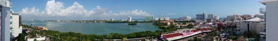 Condominios Carisa y Palma: View of the lagoon from our bedroom