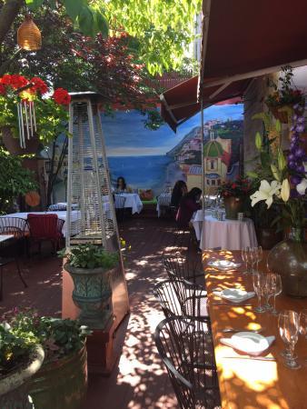 Crabtrees Restaurant: Garden