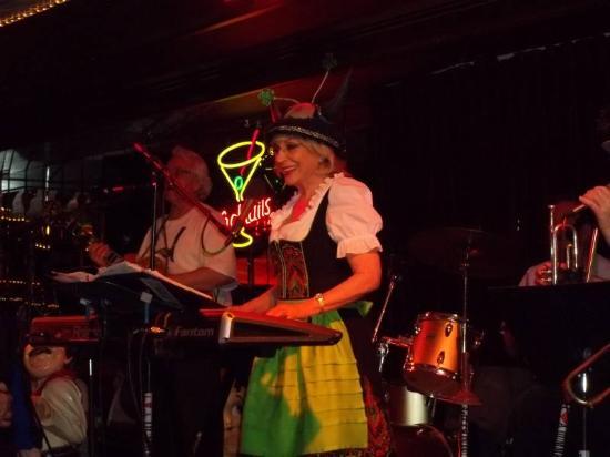 Skyline Casino: The Dumkopfs Lead Singer - Loretta St John