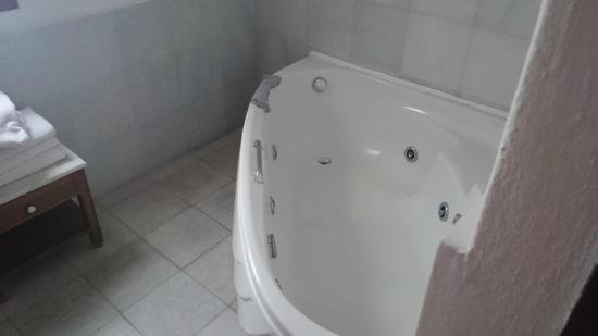 Santorini Reflexions Sea: Whirlpool bath