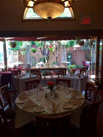 Crabtrees Restaurant: Garden Room
