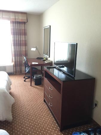Hilton Garden Inn Harrisburg East: Room