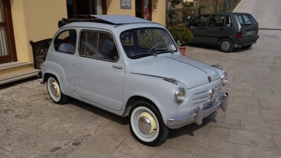 Badia Affittacamere: Fiat 500