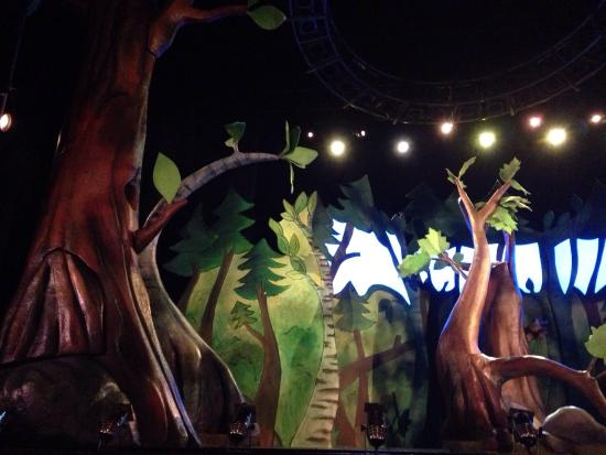 Lyric Theatre London: Gruffalo stage set