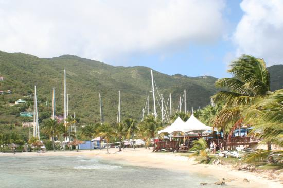 Village Cay BVI Hotel: looking back onto the beach