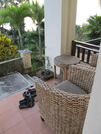 Bali Amed Bungalows: Спуск вниз