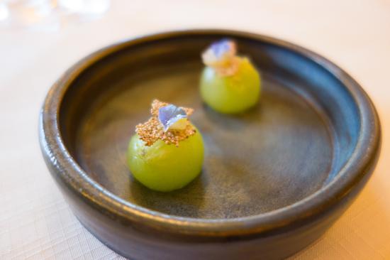 Gruß aus der Küche - Gelierte Gurke, Kandierte Zitrone, Kardamon ...
