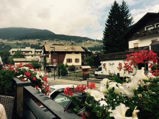 Sottovento Dolce Elia Vitalini: View from deck whilst enjoying coffee snd treats