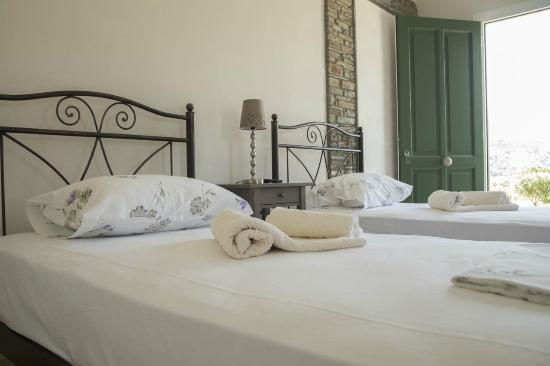 Ormos Korthiou, Griechenland: Twin beds