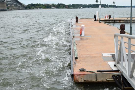 Yorktown Beach Va Dock Next To York Cur A Lot