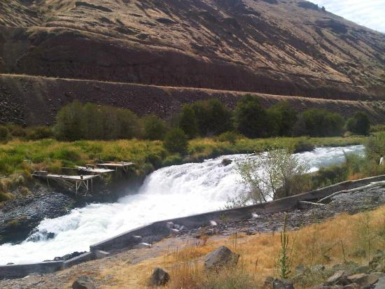 ‪‪Maupin‬, ‪Oregon‬: Sherer Falls on the Deschutes River, Maupin, Oregon‬