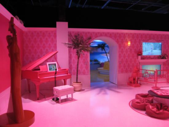 Barbie Dream House Experience