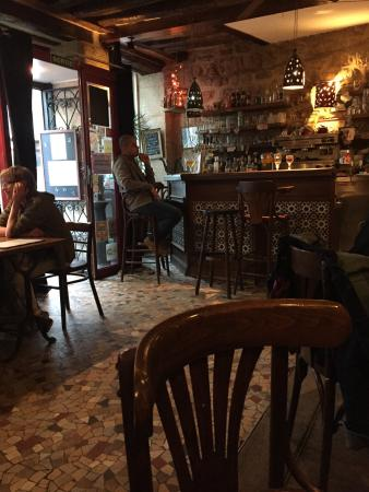 Les Pieds Sous la Table: Dinner at les pieds - c'etait parfait