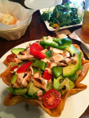 Guardado's: Taco salad