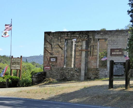 Northern Mariposa County History Center: Museum is located inside the ruins of one of the first hotels in the mother lode.