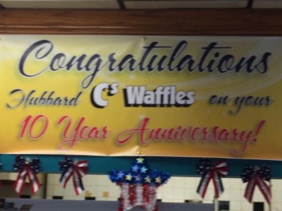 Hubbard, โอไฮโอ: C's Waffles family restaurant