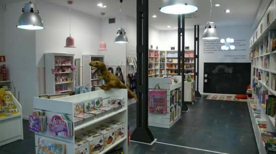 Oviedo, Spania: La Factoria de Suenos
