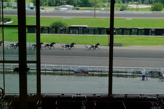 Monticello Casino and Raceway: nice view from the back row