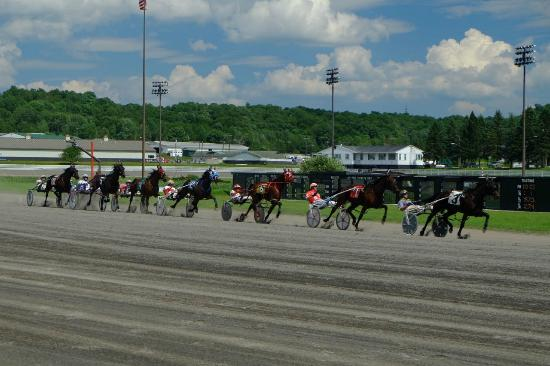 Monticello Casino and Raceway: Racers