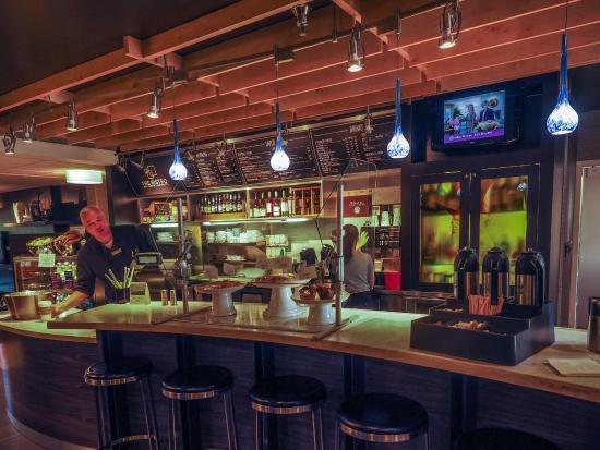Courtyard Charlotte Ballantyne: Bar