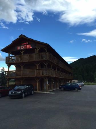Alpine, WY: 3 Story Hotel