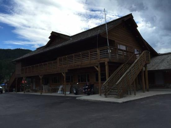 Alpine, WY: Lodge with Bar & Restaurant