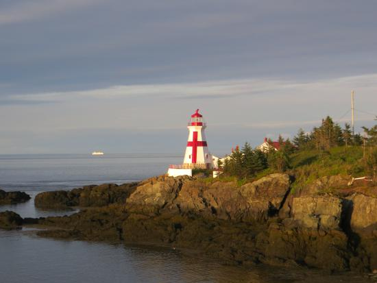 Owen House Country Inn and Gallery: lighthouse on Campobello Island