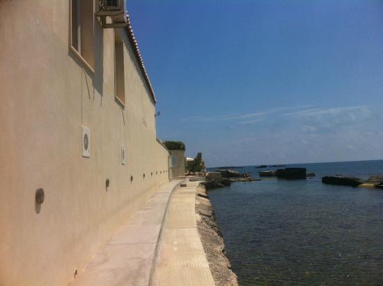 Musciara Siracusa Resort: Meerschwimmbecken