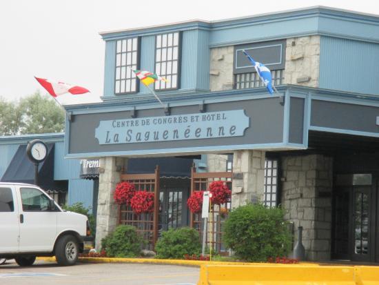 Hotel La Sagueneenne: Façade