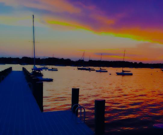 สโตนิงตัน, คอนเน็กติกัต: Spectacular Sunset on the Pier