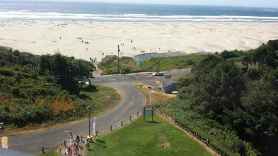 Best Western Plus Agate Beach Inn View Of The Wedding Party And Hotel Grounds