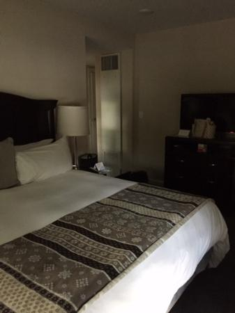 very comfortable king bed. Quiet location for the Andover Inn and easy self parking