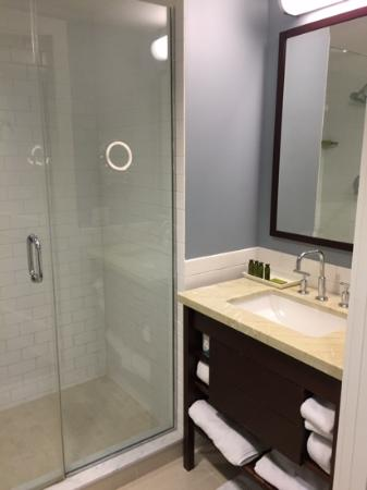 Andover, MA: Clean bathroom and big walk in shower
