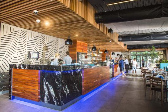 Bluewater bar and grill picture of bluewater bar and grill cairns tripadvisor - Blue water bar and grill ...