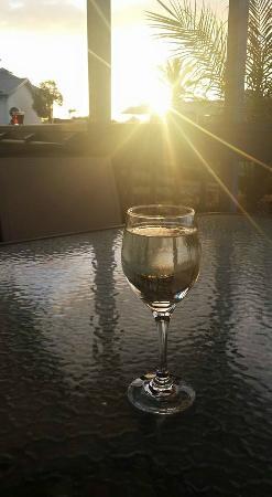 Adelaide Shores Resort: Sunset on the balcony