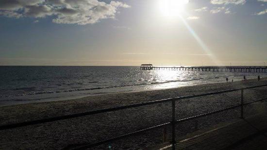 Adelaide Shores Resort: Henley Beach Wharf