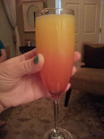 Madison, GA: Enjoying a mimosa in the relaxation room!
