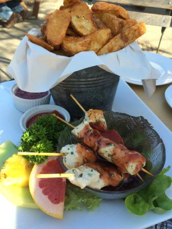 Rustic Cafe and Tapa's: Chicken Skewers & Potato Wedges