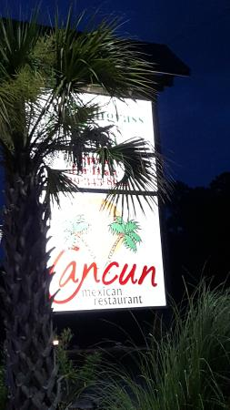 Cancun Mexican Restaurant: Look for their sign on the road...it's set back slightly