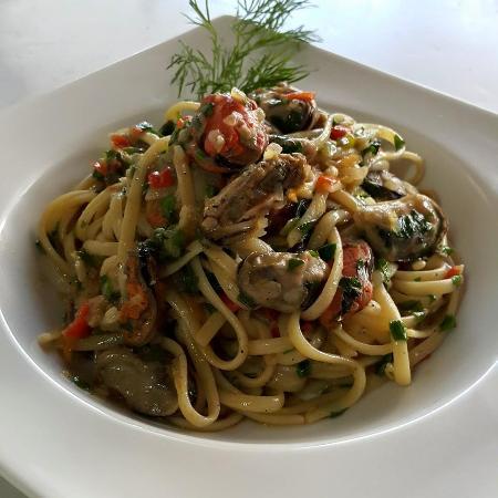 Ambrosías Cocina Creativa: Linguinis al Mejillon