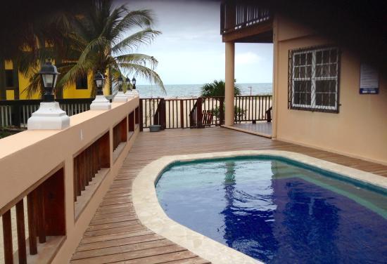 Mirasol Beach Apartment: Perfect pool!