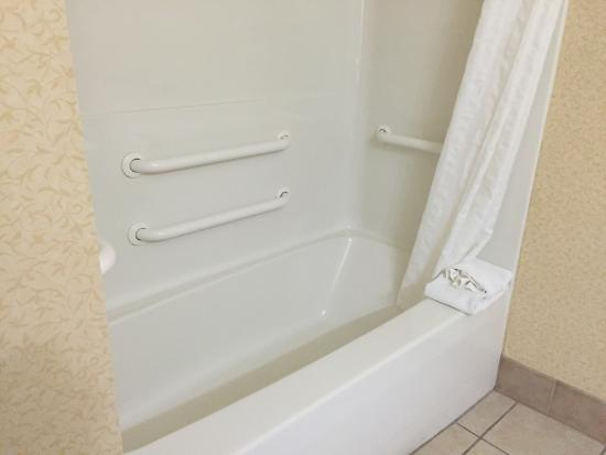 Country Inn & Suites By Carlson, Wilder: Shower