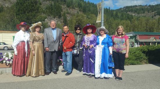 Greenwood Museum: Mayor Ed SMITH with volunteers
