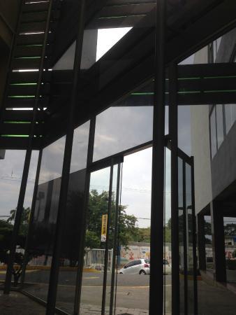 La Estancia Hotel & Centro Comercial