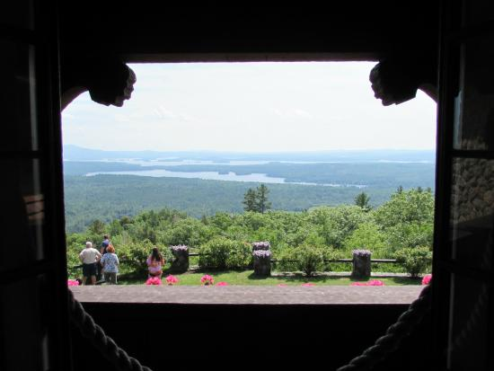 Moultonborough, Νιού Χάμσαϊρ: Out the Castle window to Lake Winnipesaukee